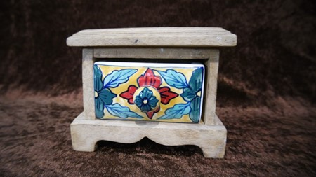 Picture of wooden box small